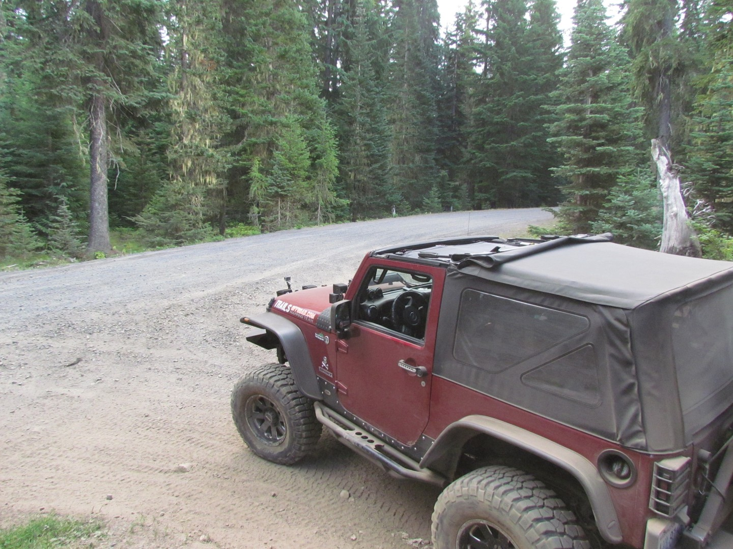Naches Trail - Waypoint 20: Trail intersection / Turn left