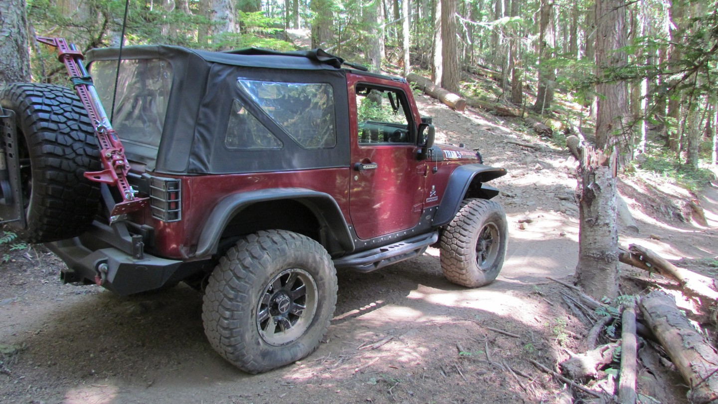 Naches Trail - Waypoint 5: Trail intersection - Stay Right