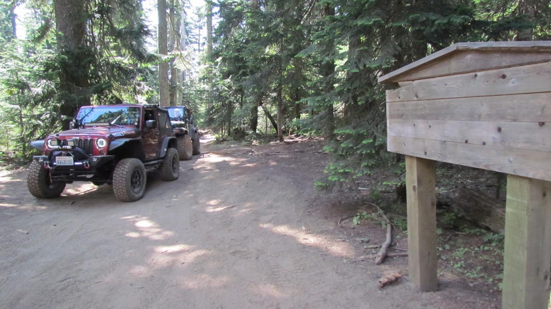 Naches Trail - Waypoint 13: Historic Sign Info - Straight