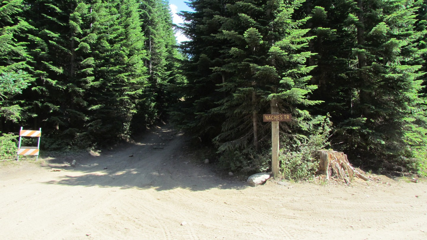 Naches Trail - Waypoint 11: Trail Intersection - Straight