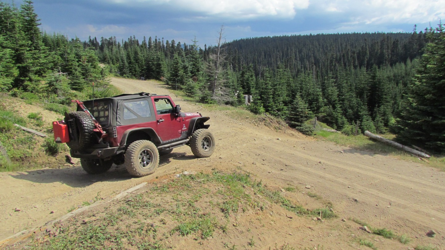 Naches Trail - Waypoint 14: Trail Intersection - Straight