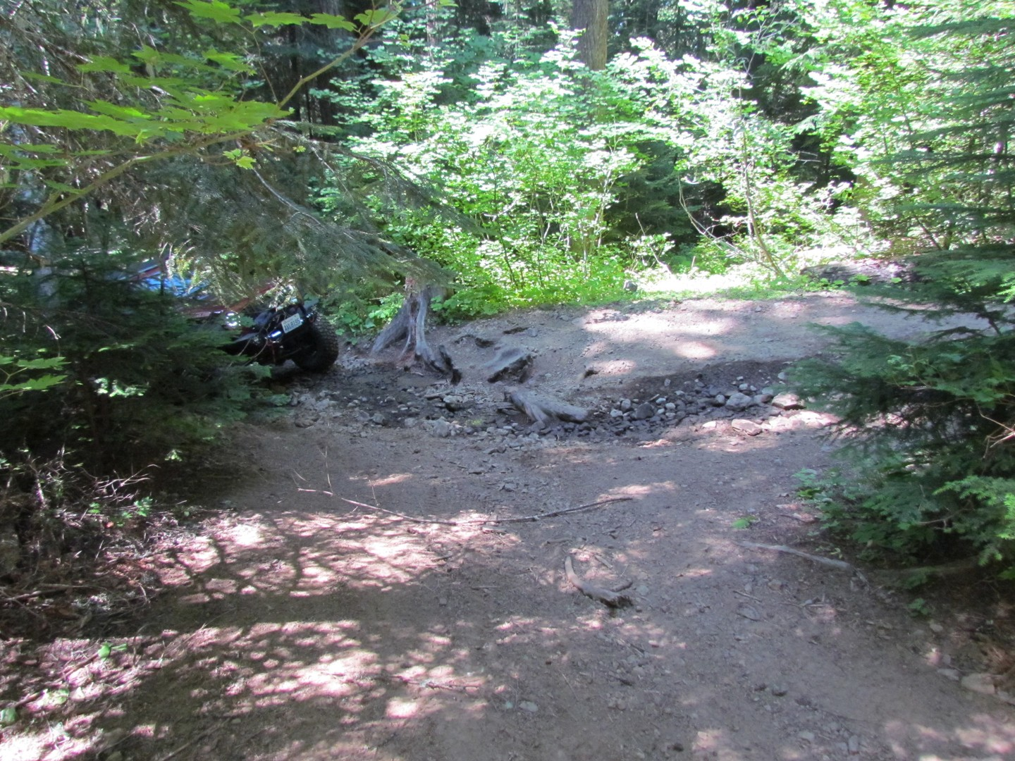 Naches Trail - Waypoint 6: Trail intersection / stay left