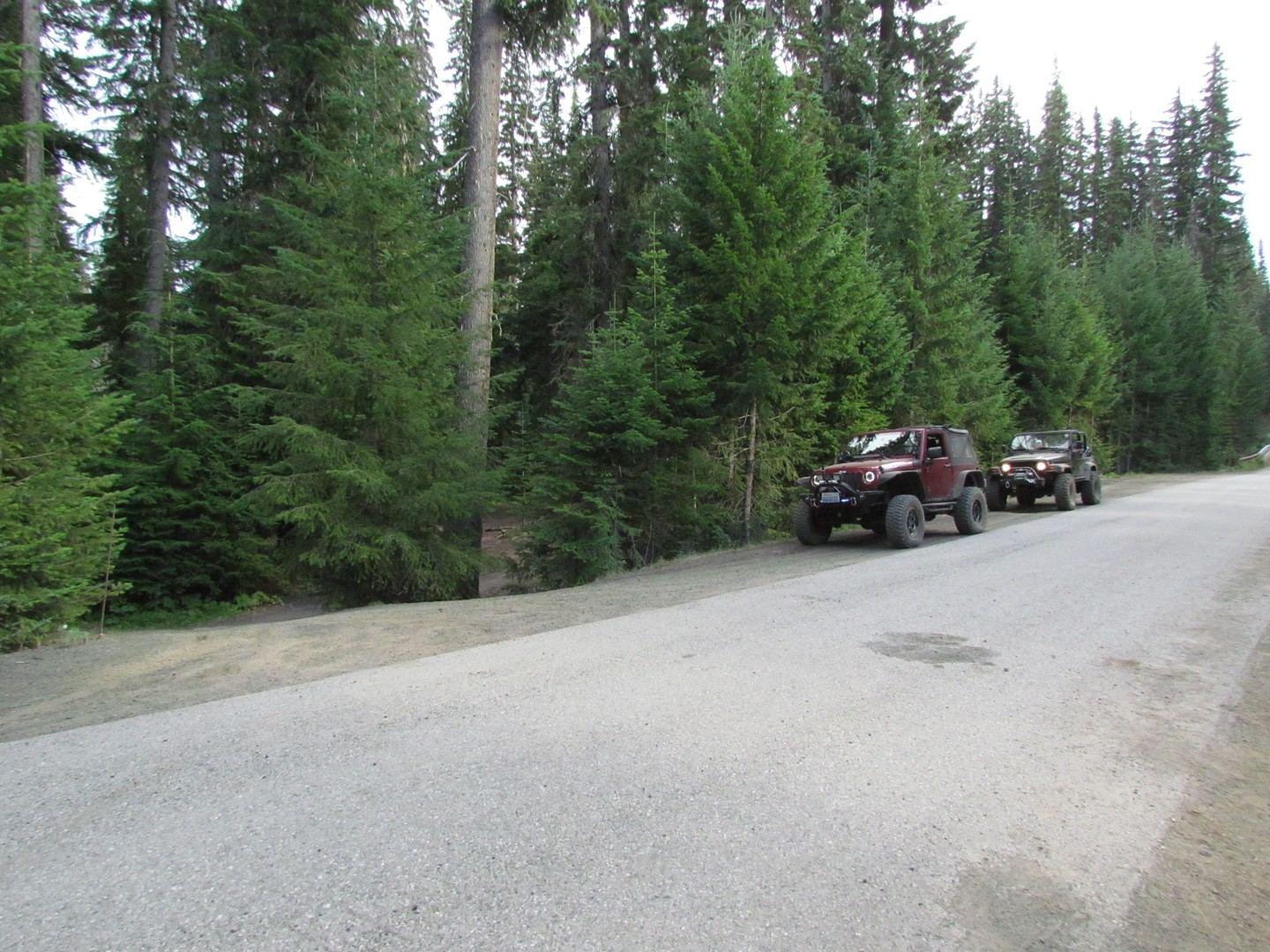 Naches Trail - Waypoint 21: Trail intersection / Turn right