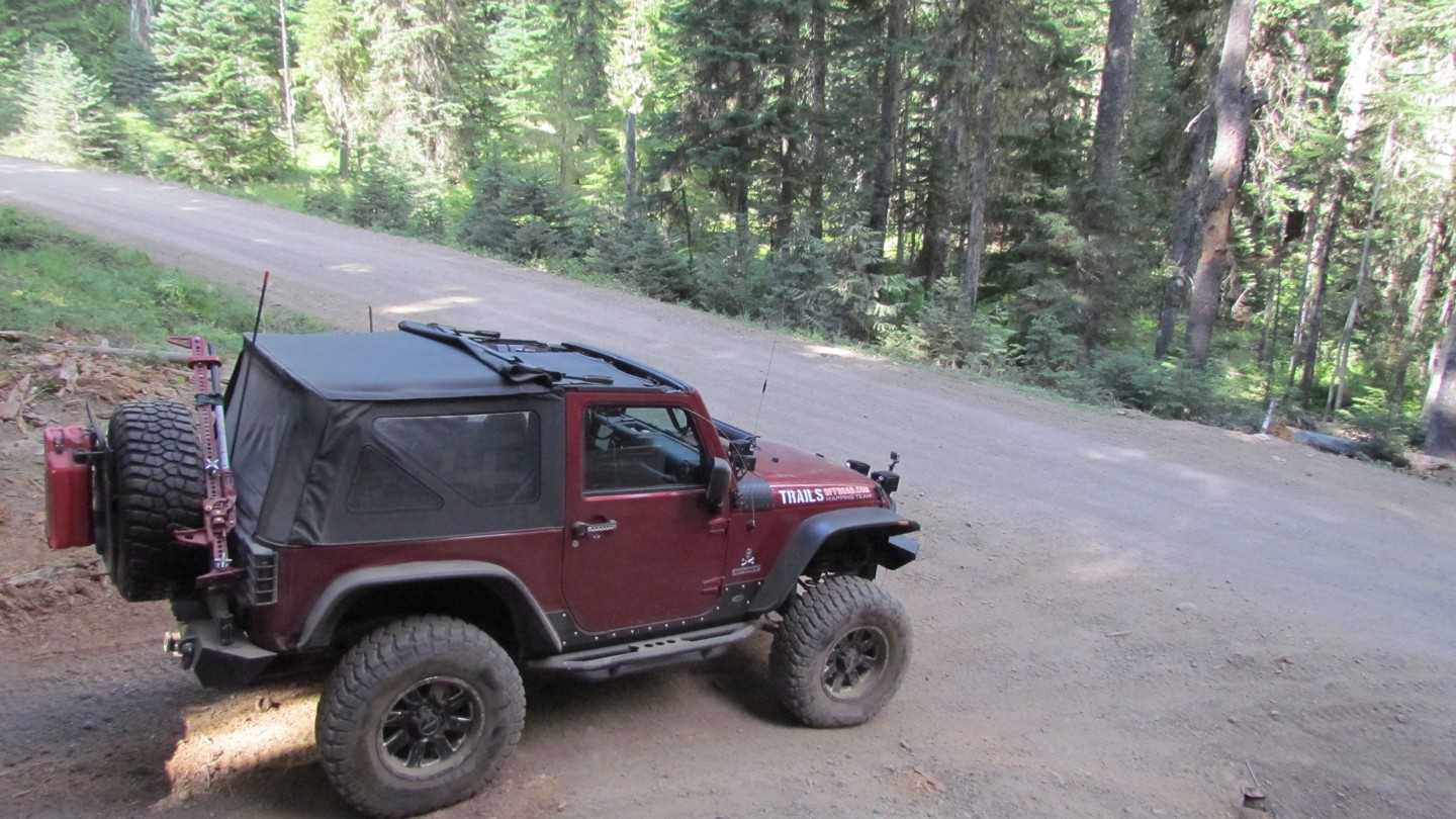 Naches Trail - Waypoint 15: Trail Intersection - Straight