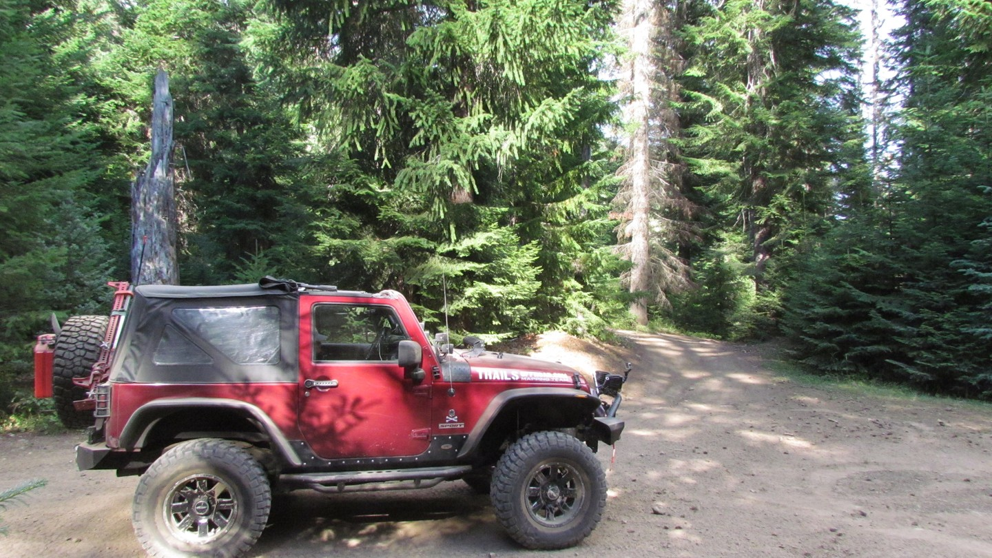 Naches Trail - Waypoint 22: Trail Intersection - Stay Left