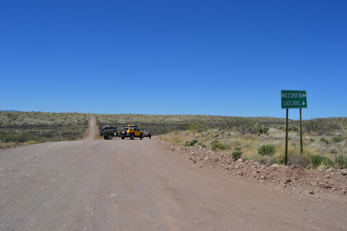 Jackson Cabin/Muleshoe Ranch Road - Waypoint 1: Trailhead: Three Links Road - Airport Road - Muleshoe Ranch Road  Intersection
