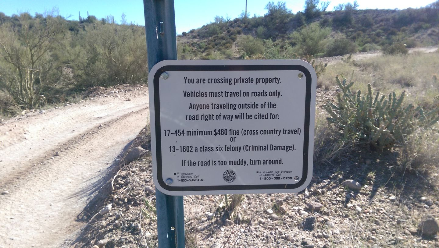 Old Black Canyon Highway - Waypoint 9: Private Land to South