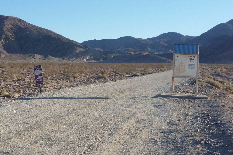 Mule Canyon - Waypoint 1: Mule Canyon Road Trailhead