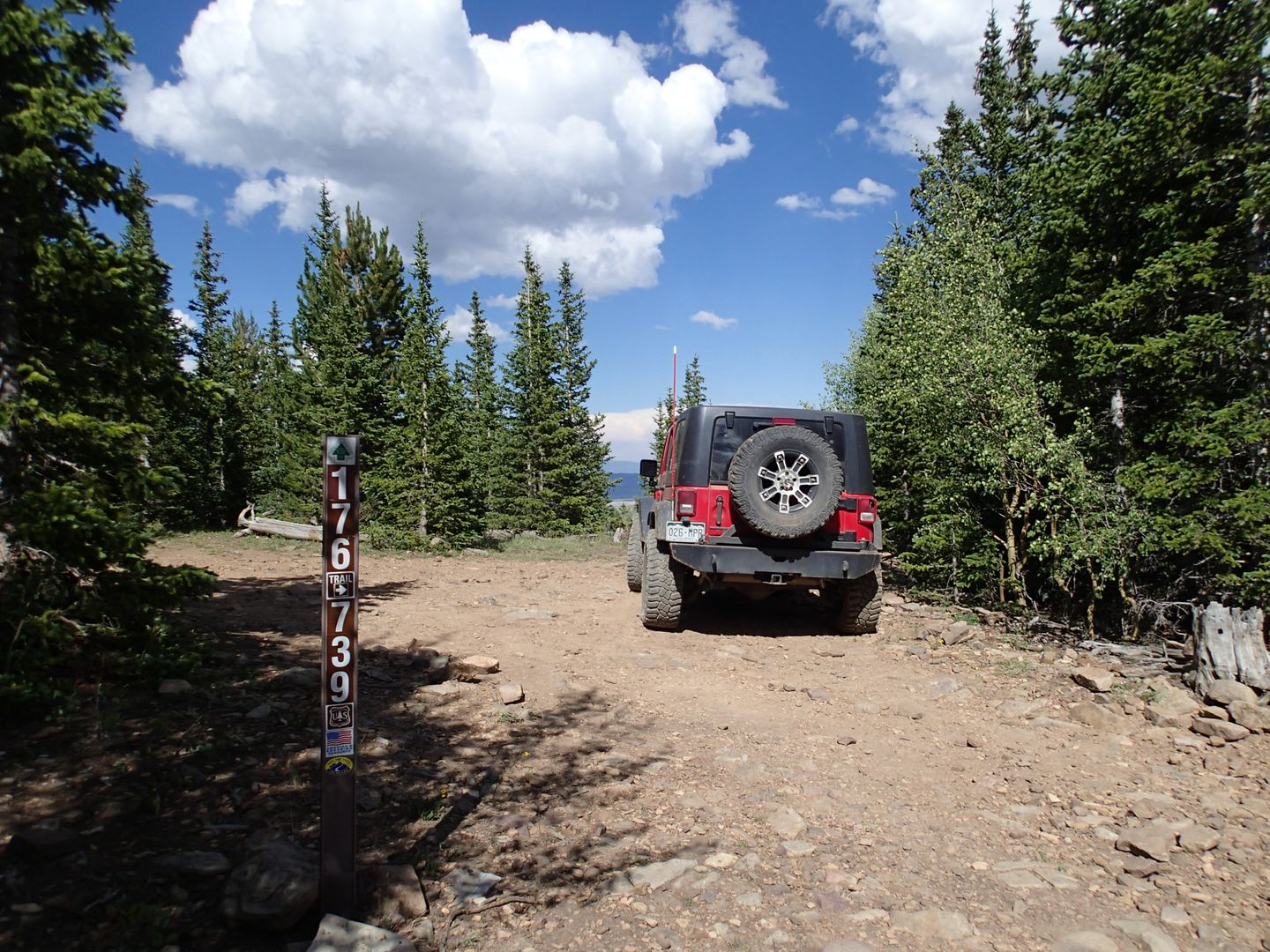 Brown's Pass  - Waypoint 4: Intersection FS Road 176.a