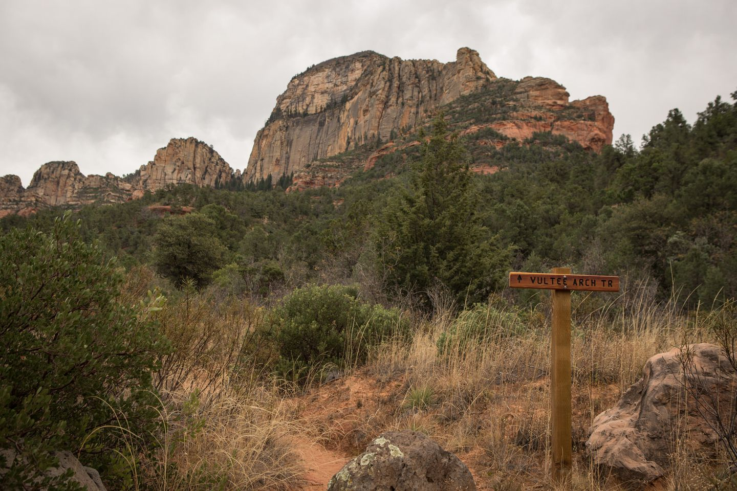 Dry Creek Road - Waypoint 15: Vultee Arch Hiking Trail