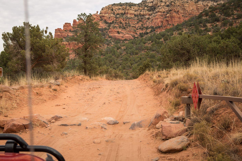 Dry Creek Road - Waypoint 1: Trailhead Start