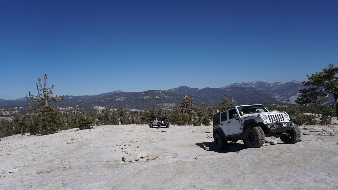 26E219 - Bald Mountain - Waypoint 20: Intersection with Northern Trails ( Keep Left )