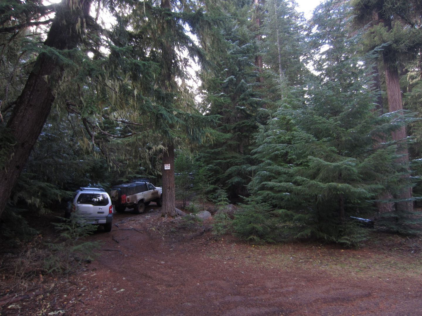 Barlow Trail - Waypoint 19: Go Straight - Intersection with Keeps Mill Road