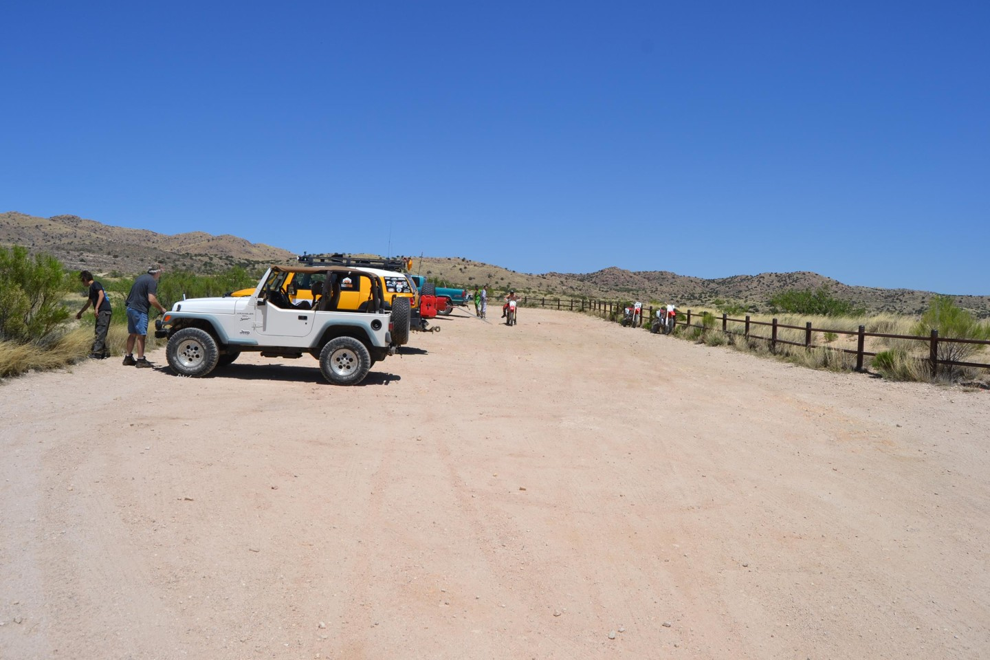 Redington Pass - Waypoint 11: Three Feathers Staging Area/Corral FR#4417 & FR#4441 (Continue Straight)