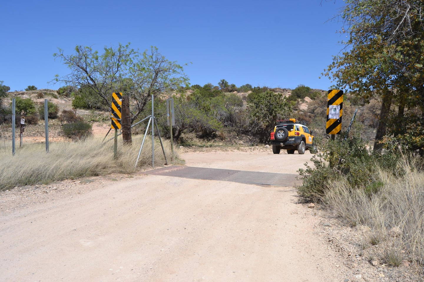 Redington Pass - Waypoint 14: FR#4435/Cattle Guard- Racetrack Tank Trail (Stay Right)