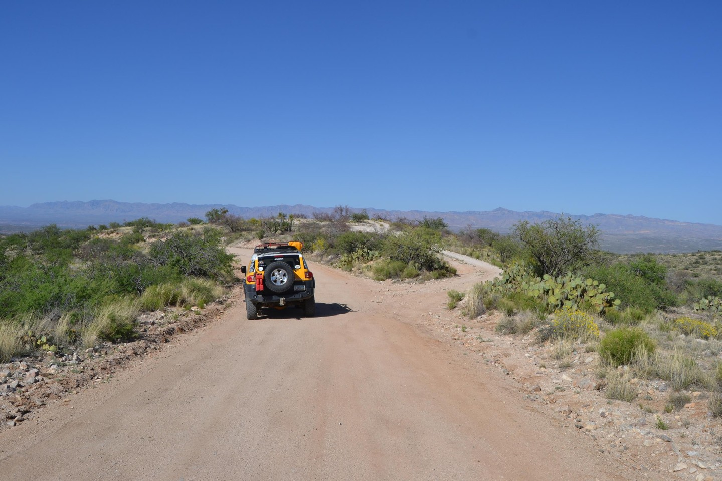 Redington Pass - Waypoint 41: No # 4x4 Road Crossing  Dead End East/Wash/Tanks/Corral West (Continue Straight)