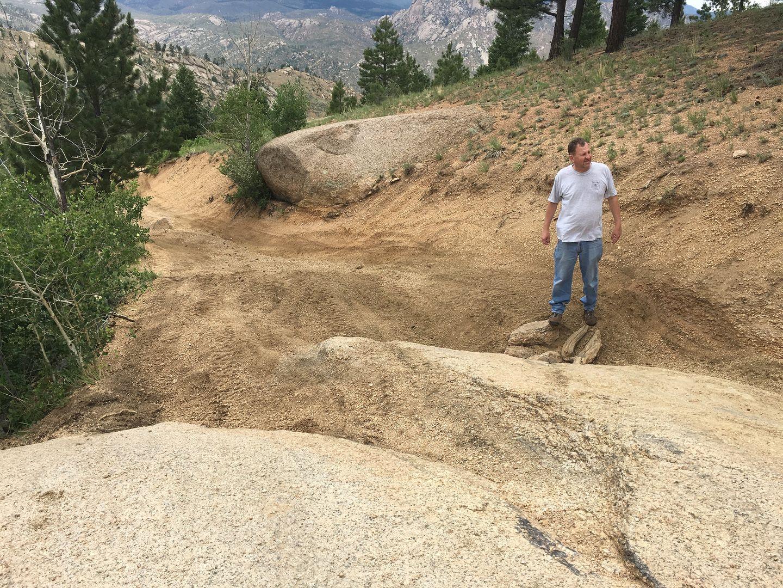 Metberry Gulch - Waypoint 3: Tippy V-Notch Rock