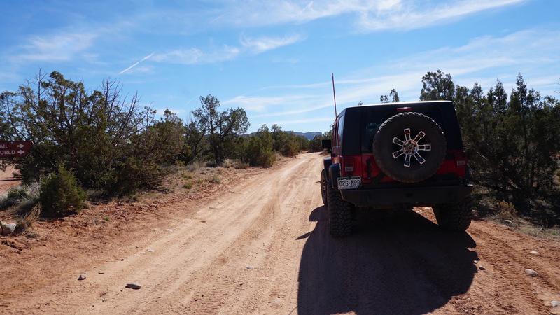 Top of the World - Utah - Waypoint 1: Entrada Bluffs Trailhead