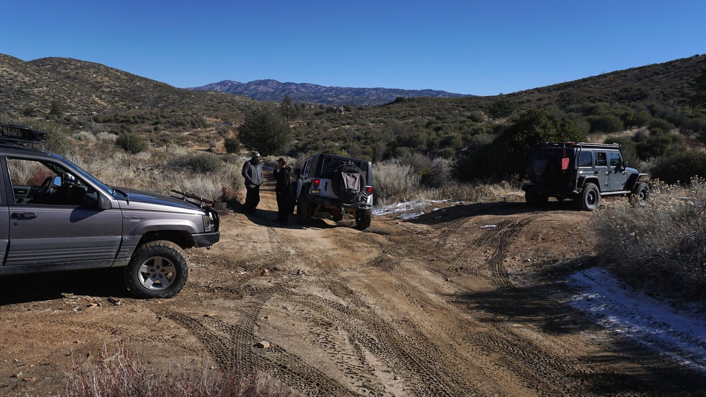 3N34 - Willow Creek Jeep Trail - Waypoint 11: Small 2x Turnout