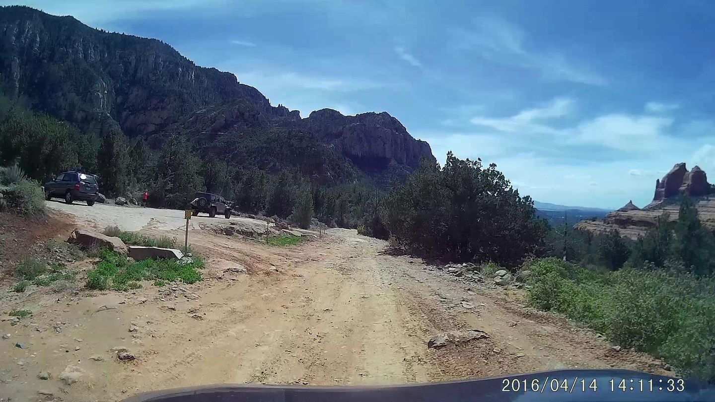 Schnebly Hill Road - Waypoint 6: Hangover Trailhead Parking