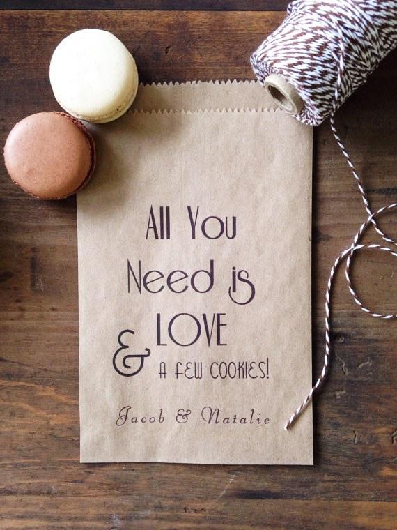 Paquets de biscuits de bricolage comme faveurs de mariage