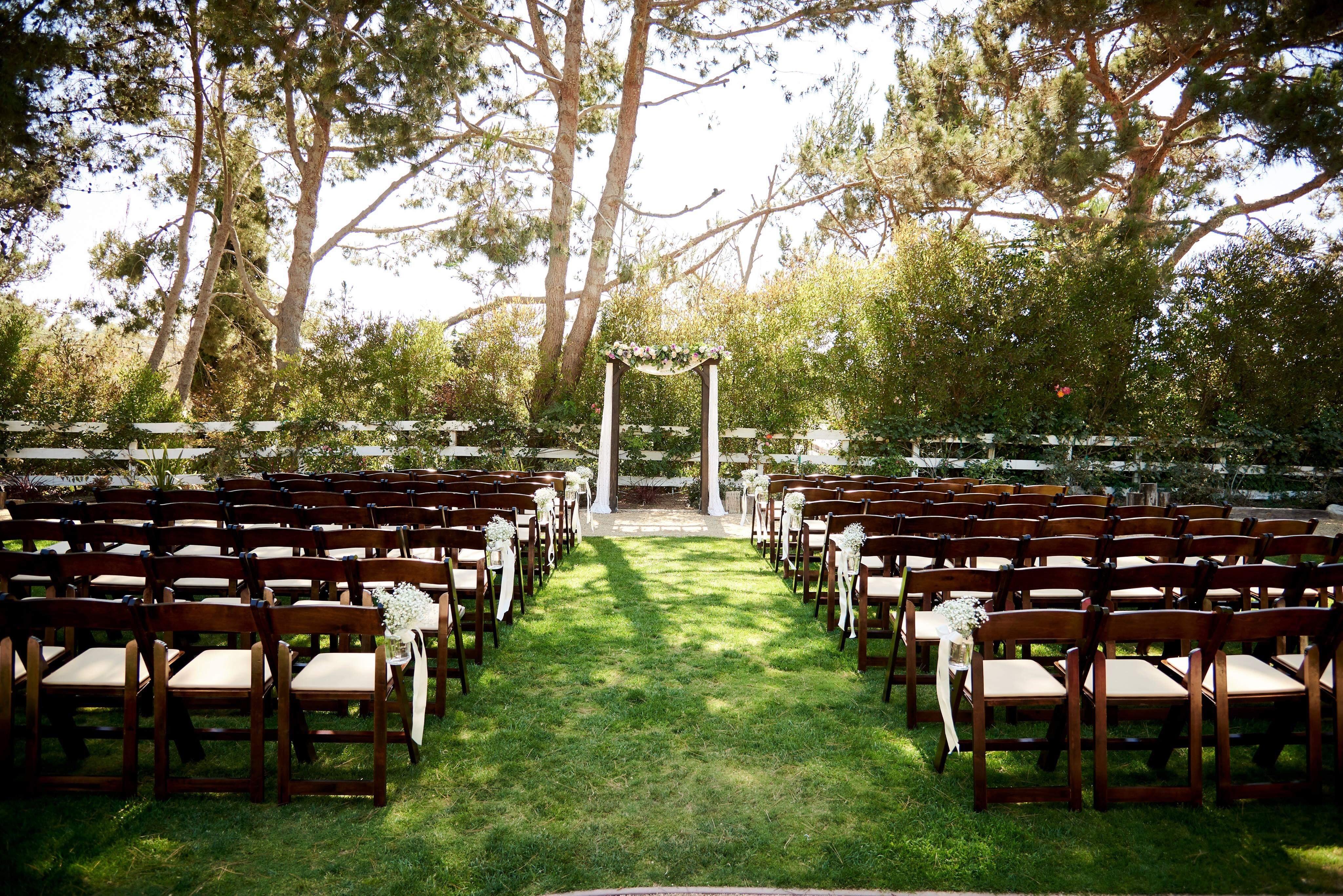 Red Horse Barn At Huntington Central Park Huntington Beach Wedding