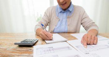 8 Tools to Help Seniors Manage Their Finances