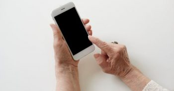 Managing Your Parent's Care From a Distance