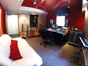 Red studio2 madstudios