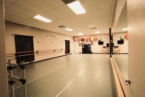 Madstudios   dance 2
