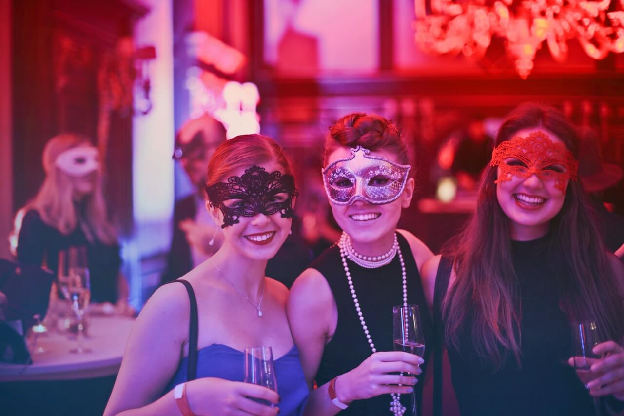 Masquerade party %281%29
