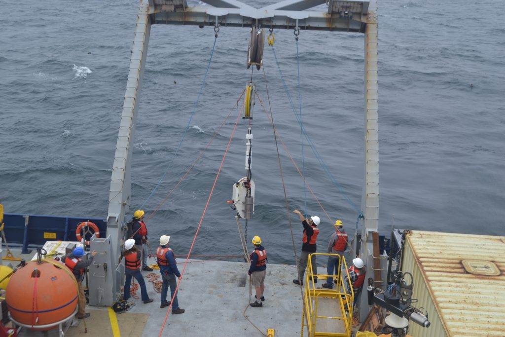 The docking station for the Deep Profiler at Oregon Offshore (600 m) site is deployed by the UW-APL Ocean Engineering Team. Credit: J. Durant, University of Washington, V18.