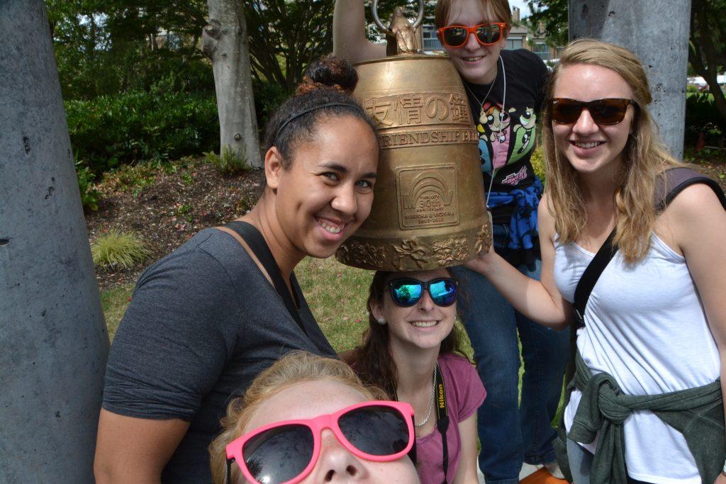 Students enjoying shoretime in Victoria, BC (CW from bottom left: Erin, Kearstin, Lauren, Emily, Malea). Credit: Erin Haphey, UW; V15.