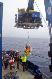 The HPIES instrument installed in 2018 is recovered underneath Jason. Credit: M. Elend, University of Washington;V19.