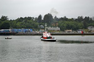 The Pilot Boat heads away after dropping off the Pilot on the R/V Atlantis. Credit: M. Elend, University of Washington, V19.