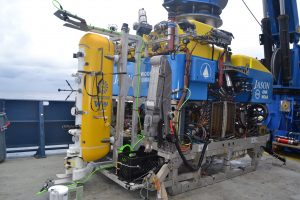 The Deep Profiler vehicle is secured in the 'Clam Shell' on the front of Jason for dive Jd-1186 at the Oregon Shelf Site. Credit: M. Elend, University of Washington; V19.