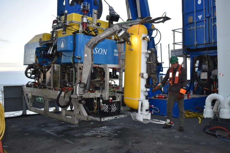 An RCA Deep Profiler vehicle is latched into the clamshell on Jason for installation and Axial Base. Credit: University of Washington. V20