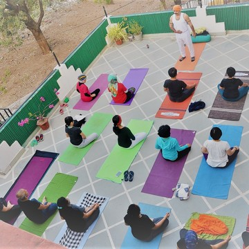 100 hours yoga teacher training rishikesh india