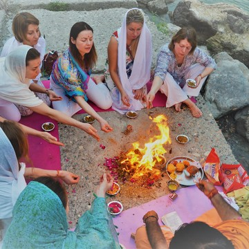 300 Hour Yoga Therapy Teacher Training in Rishikesh, India