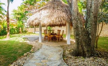 Tropical Spring Abundance Retreat