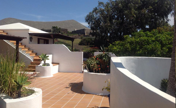 Endless Summer: An Inspirational Yoga & Adventure Retreat in Lanzarote, Canary Islands