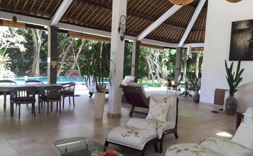 Small Luxury Yoga Retreat - Bali