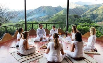 250/300 hr Tantric Hatha Yoga Teacher Training – Ecuador