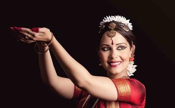 Bharata Natyam performance and Indian dance workshop