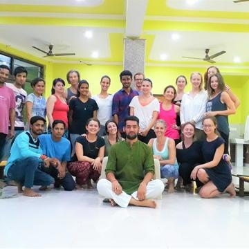 4 Days Bliss Full Yoga Retreat in Rishikesh
