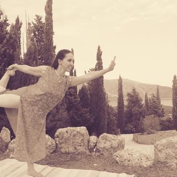 Maria Chrysik - Yoga Teacher