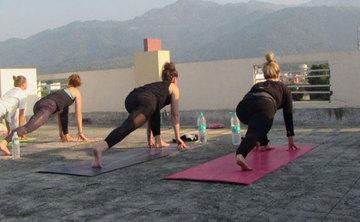 200 hrs Hatha Yoga Teacher Training in Rishikesh India