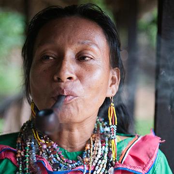 Maestra Estela Pangoza Cinacay (Sankenwesna)