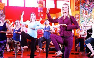 Wisdom Rising: Journey into the Mandala of the Empowered Feminine