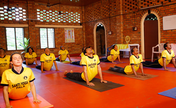 300 hour Yoga Techer Training in Kerala, India